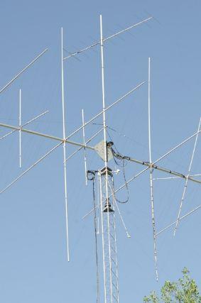 電波の交信に不可欠なアンテナ
