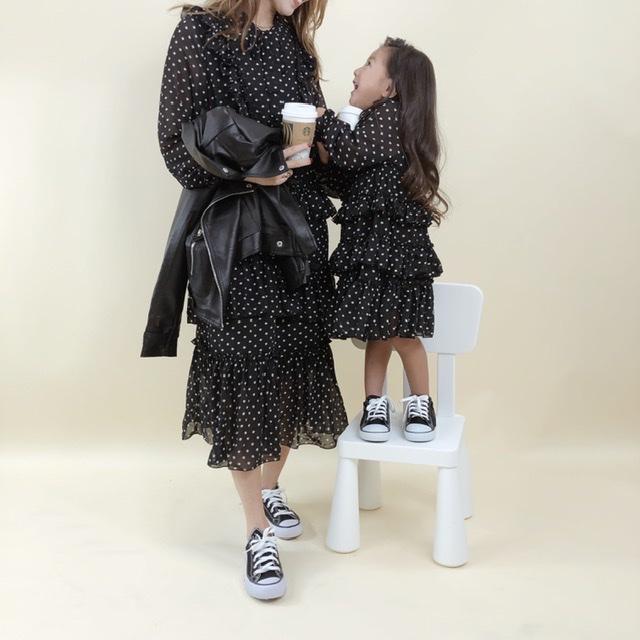 家族の記念日に、ママとおしゃれladyになりませんか?左163cm(L着用)/右96cm14.5kg(100着用)