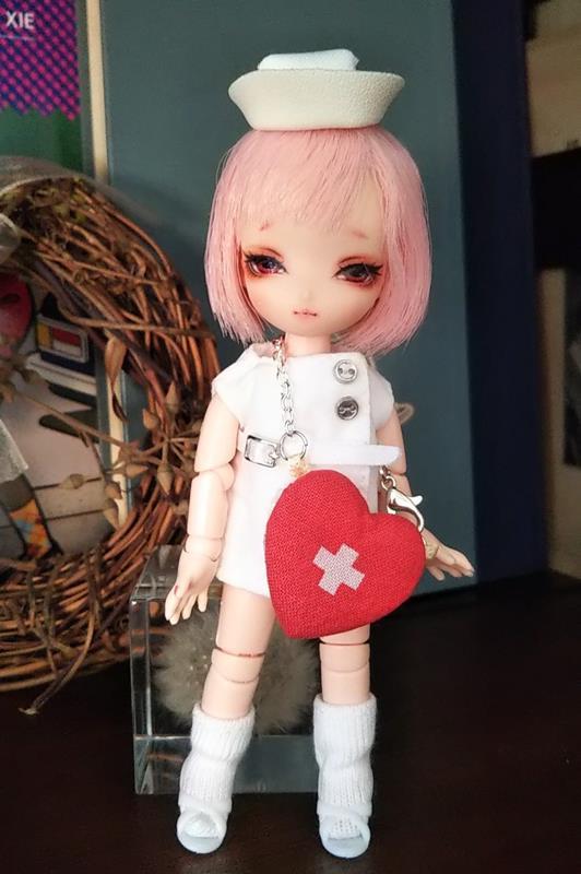 [人形屋☆リッターオルデン] ナース服とハート(心臓)のポーチ