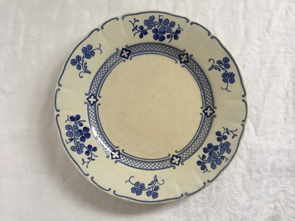 ルネビル青いお皿の画像