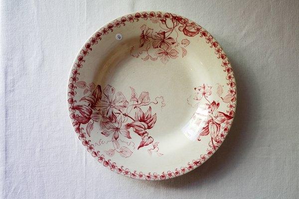 赤ボルドー窯フランスアンティークスープ皿の画像