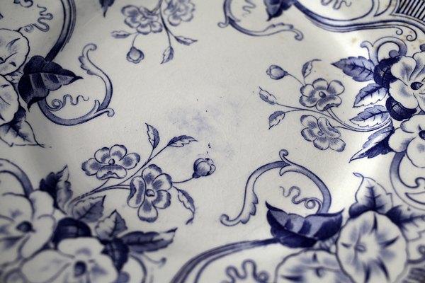 クレイユブルー花アンティークデザートプレートの画像