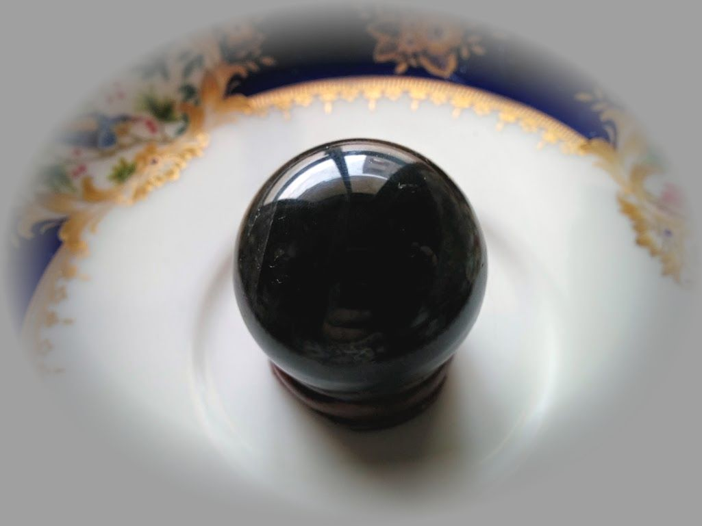 モンゴル産黒水晶の45mm置き珠